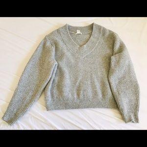 Chunky knit V-neck Sweater.